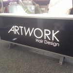 Lichtbak met belettering Artwork Hair Design