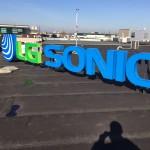 LG Sonic tijdens montage op het dak